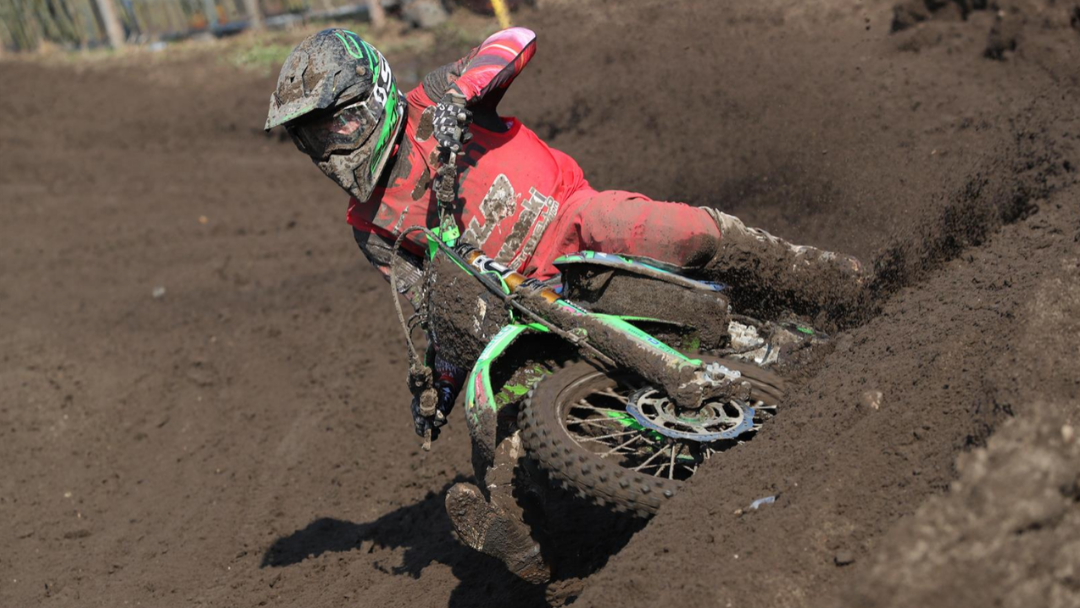 TWO GRITTY RIDES BY MITCHELL HARRISON AT VALKENSWAARD