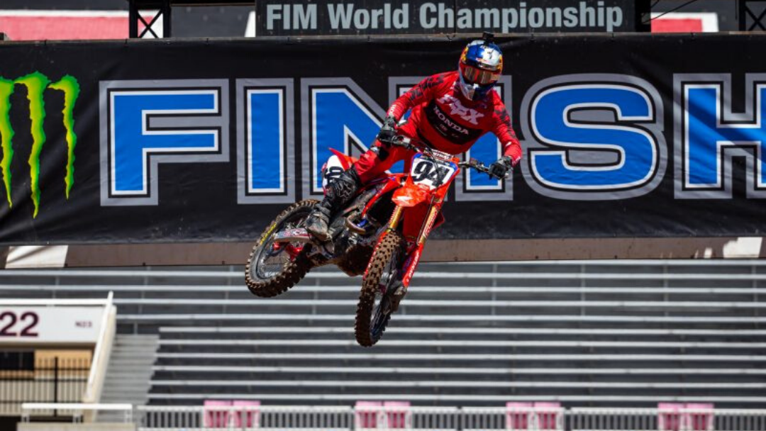 Top-Five Finish for Roczen at SLC 4 Supercross